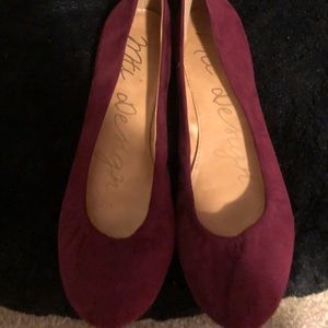 Shoes - Never worn flats!!
